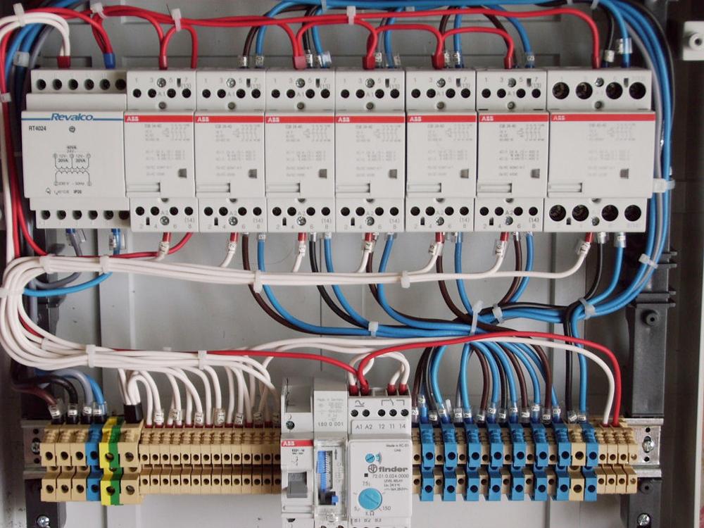 Schemi Elettrici Impianti Industriali : Impianti civili navali industriali cinain